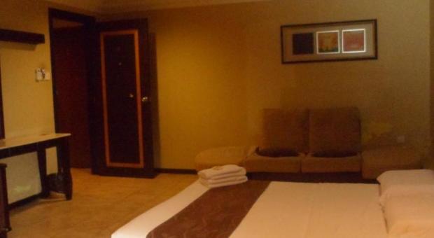 Perdana Hotel 02