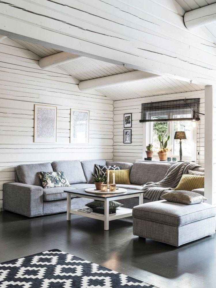 Una confortable cabaña en blanco y negro