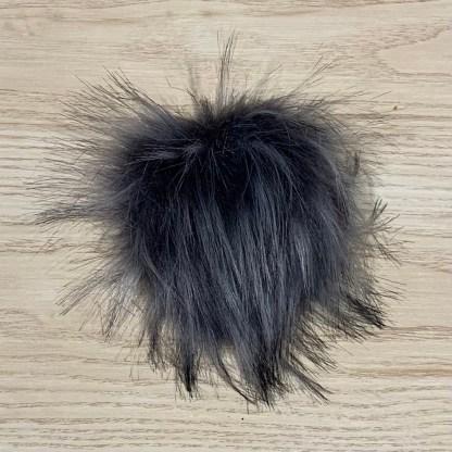 pompon fourrure synthétique gris foncé