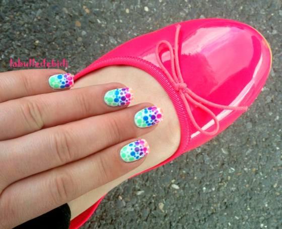 neon-nails-dots (1)