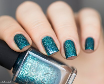 ILNP-holiday collection-time in a bottle
