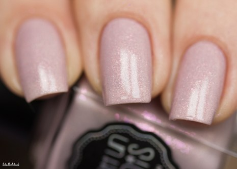 il etait un vernis-tales of love collection-a thousand kisses_8