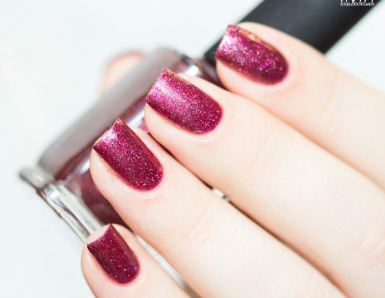 ilnp-new-years-collection-velvet-rope_1