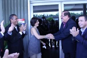 Momento de la ceremonia de reapertura de las facilidades de WIPM TV, Canal 3. En la foto, de izquierda a derecha: Miguel Rosa, director de WIPM; Cecille Blondet, presidenta de la Corporación de Puerto Rico para la Difusión Pública; Heriberto Acevedo, vicealcalde de Mayaguez; e Isidro Negron Irizarry, alcalde de San Germán (Suministrada).