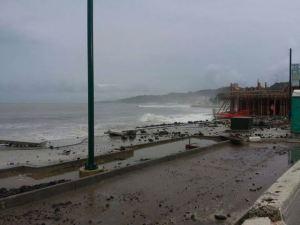La Marina de Aguadilla, actualmente en construcción durante las Fuertes lluvias del martes (Foto cortesía Luz R. Soto).