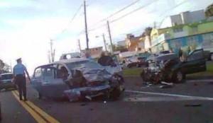 Escena del accidente fatal ocurrido en la carretera PR-111 en Moca (Foto Rescate Cortés).
