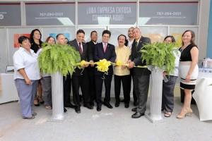 Ceremonia del corte de cinta del nuevo centro de servicios a pequeños y medianos empresarios de la Compañía de Comercio y Exportación en la Sultana del Oeste (Suministrada).