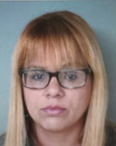 Ileana Martínez Santana, suspendida de su empleo tras ser sorprendida fumando marihuana (Archivo).
