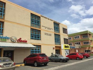 Fachada de la oficina del Departamento del Trabajo frente a la carretera PR-2 en Mayagüez (Suministrada).
