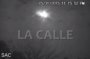 Captura del video de la Sociedad de Astronomía del Oeste del meteoro que provocó una explosión que se sintió en el Noroeste de la Isla (Fotocaptura de YouTube).