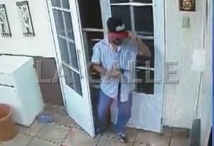 Fotocaptura del video de la cámara de seguridad la panadería Dulce Emely Bakery (LA CALLE Digital).