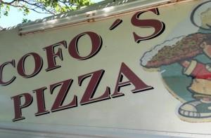 La guagua de venta de pizzas fue asaltada el lunes a las 10:00 de la noche.