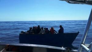 Este es el grupo rescatado que intentaba entrar clandestinamente a la Isla (Suministrada Policía).