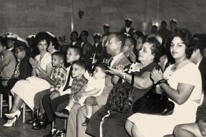 """Don Ernesto Ramos Antonini (con el niño sentado sobre sus piernas) será honrado esta tarde en San Germán. Haga """"click"""" sobre la imagen para ampliarla (Suministrada)."""