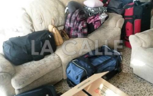 El típico equipaje del que se va de Puerto Rico (Archivo LA CALLE).