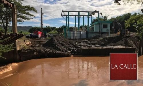 Efecto de las inundaciones en la estación de bombas del Río Culebrinas (Suministrada AAA).