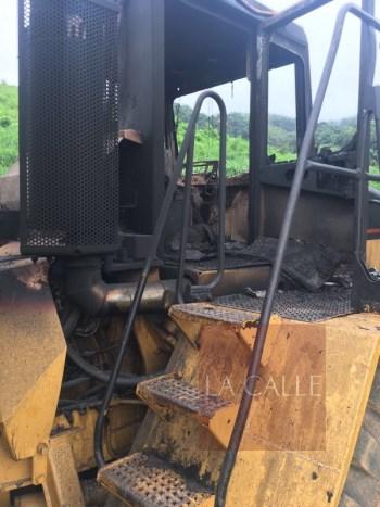 Equipo pesado de la empresa también fue quemado (Suministrada)
