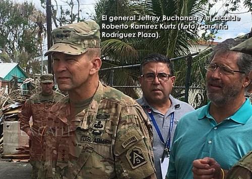general Buchanan y alcalde cabo rojo wm