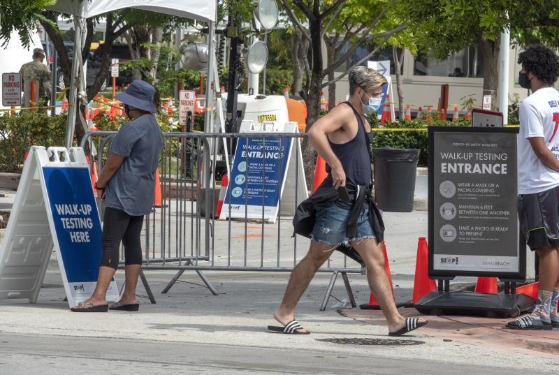 Siguen a la baja en Florida casos diarios de contagio y muertes por COVID-19