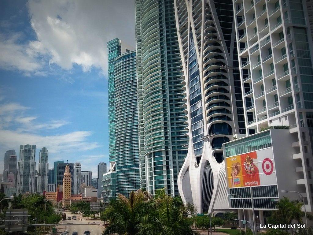 Empresas de otros estados consideraron mudarse a Miami pero luego vino un pico en los casos de COVID-19
