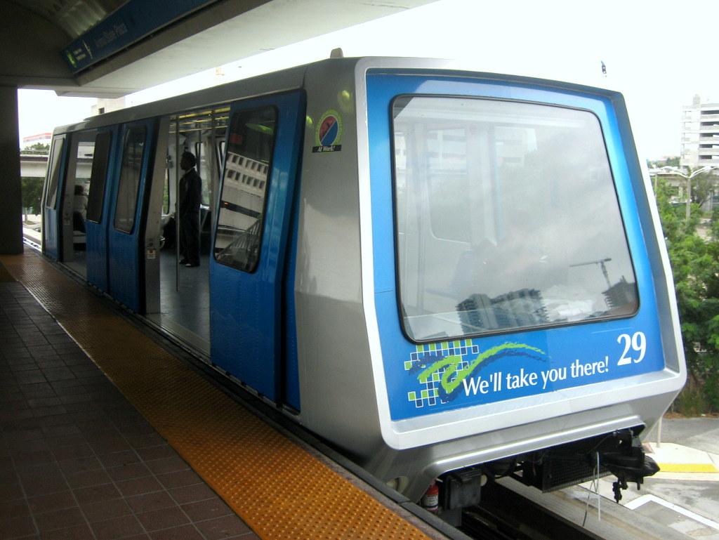 Aumenta presencia policial en Miami MetroMover