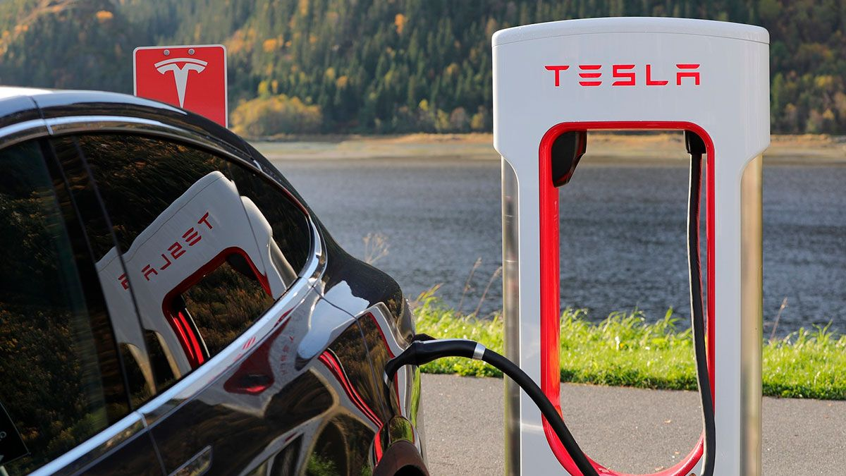El supercargador V3 de Tesla ofrece una máxima potencia de 250 kW