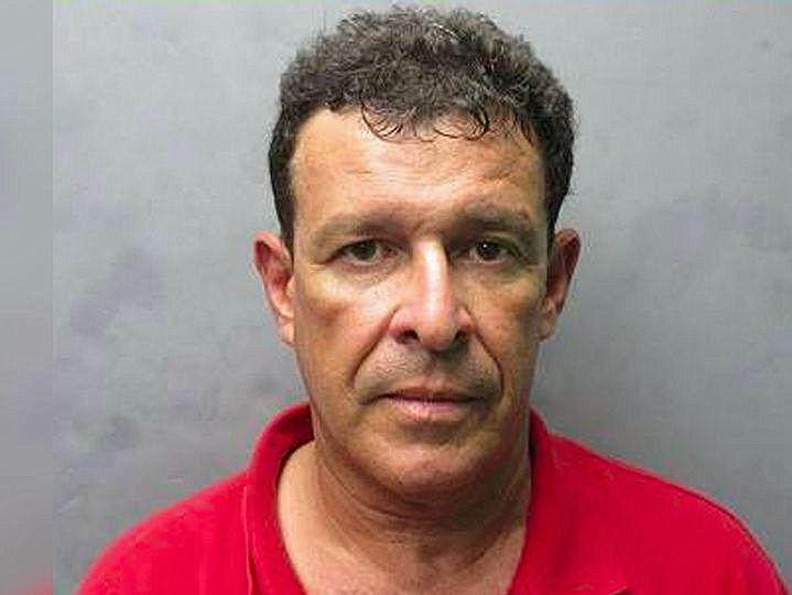 Un quiropráctico hispano de Miami Leakes es acusado de acoso sexual cibernético