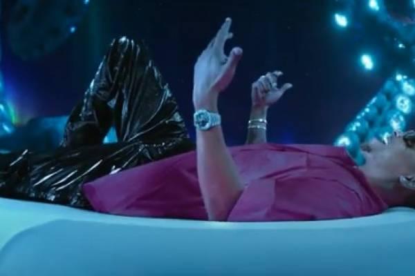 Ozuna estrena el video musical de su sencillo «Del Mar «junto a Doja Cat & Sia
