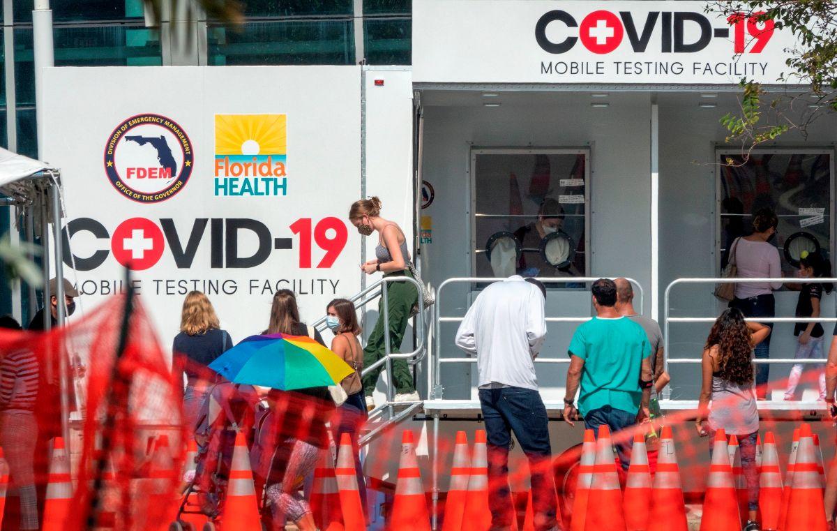 Piden mano dura al gobernador DeSantis porque  Florida ha sumado casi 8,000 nuevos casos de coronavirus
