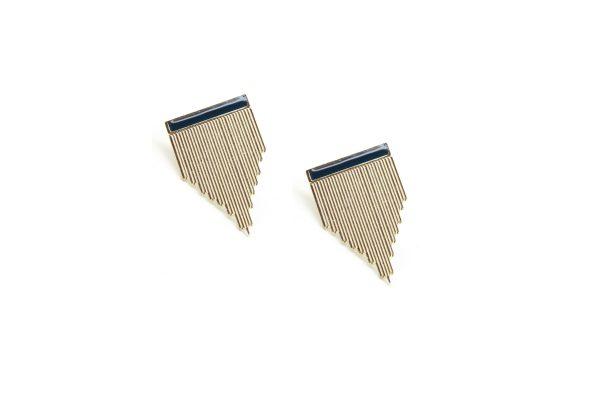 Clous-Stripe-Bleu_Les femmes à Barbes