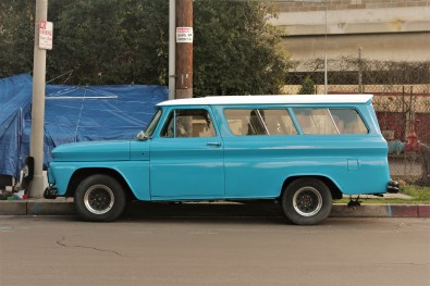 mid-60s-chevy-suburban-2