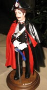 Carabiniere In cartapesta in alta uniforme