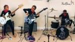 """Nandi Bushell ejecuta """"Cochise"""" con su nueva guitarra"""