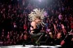 Miley Cyrus sorprende con su presentación en el iHeartRadio Music Festival 2020