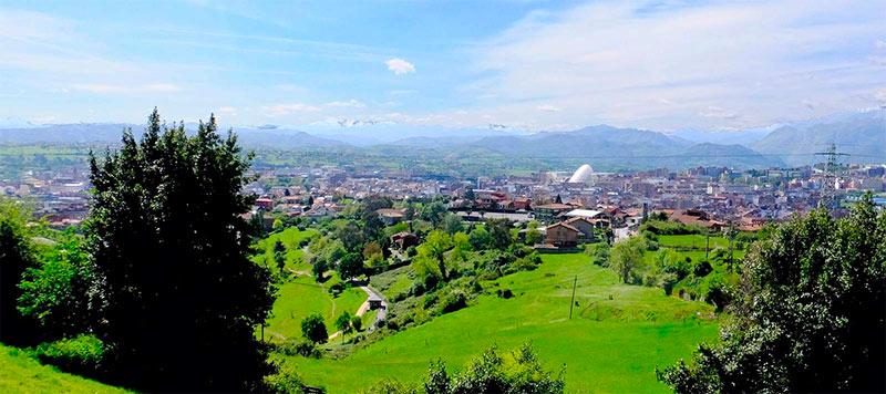 Que ver en Asturias rural - Oviedo desde el Naranco - La Casa Azul de Las Caldas