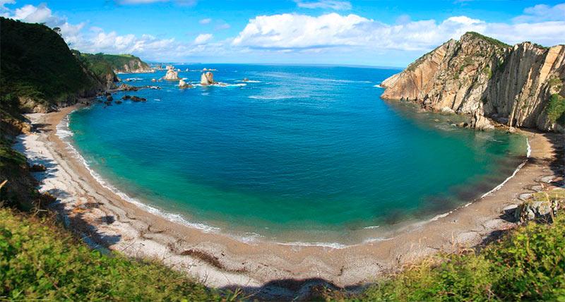 Que visitar en Asturias rural - Playa del Silencio - La Casa Azul de Las Caldas