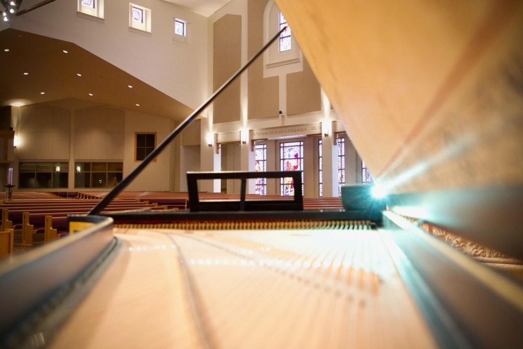 inside robert davis harpsichord