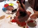 Iván pintando a los 6 años.