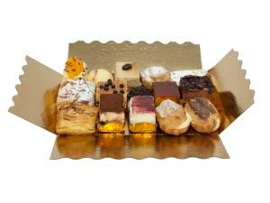 Bandeja de 15 pasteles variados