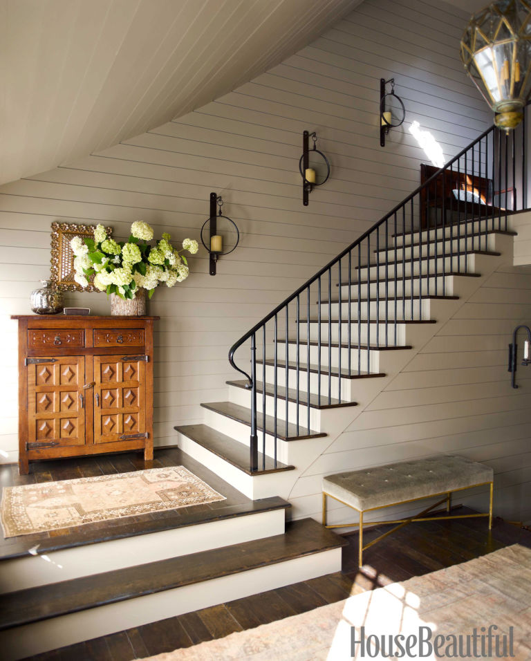 Shaker-style-Stairway-with-Lanterns-from-House-Beautiful