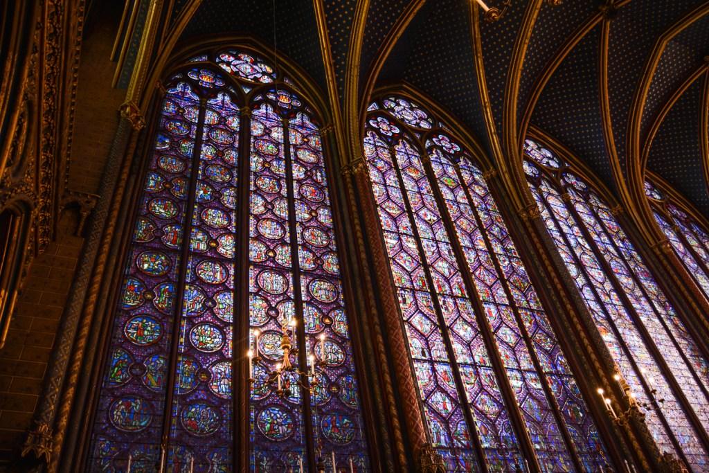 Beautiful Stained Glass of Sainte Chapelle - Paris Travel - @lacegraceblog1