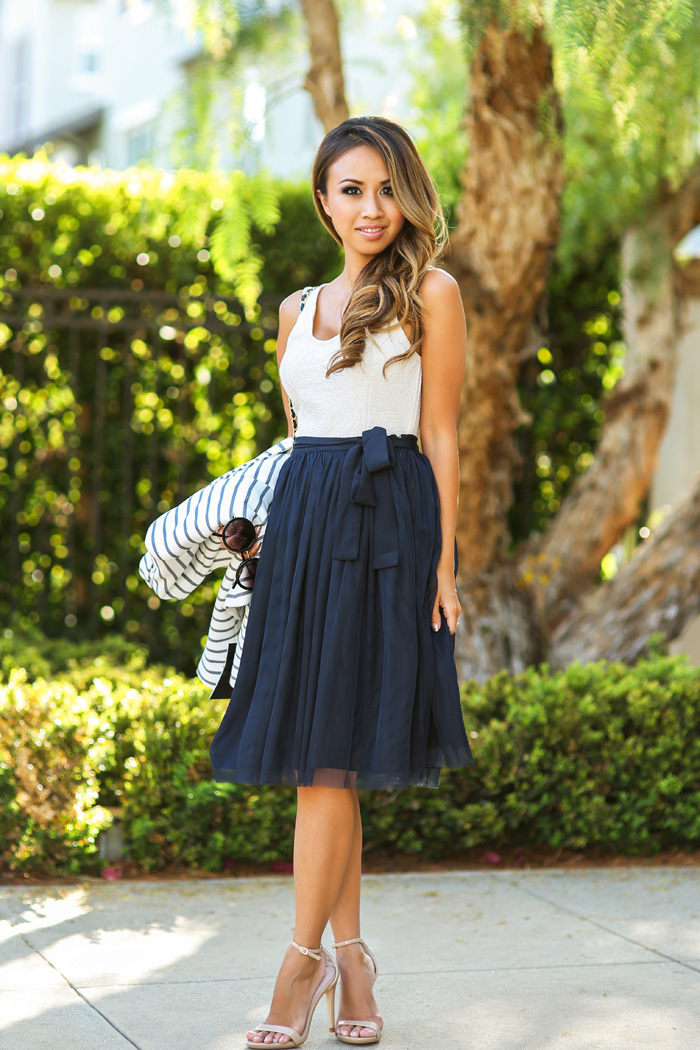 fashion blogger, petite fashion blog, fashionista, lace and locks, los angeles fashion blogger, morning lavender navy tulle skirt, stripe blazer, tulle skirt, feminine fashion blog
