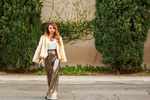 petite fashion blog, lace and locks, los angeles fashion blogger, morning lavender, new years eve fashion, sequin maxi skirt, holiday fashion, holiday look, faux fur jacket
