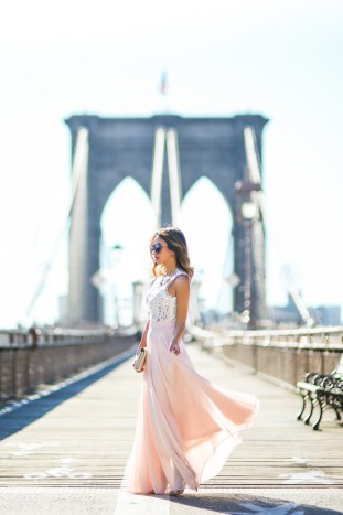 petite fashion blog, lace and locks, los angeles fashion blogger, pink maxi skirt, morning lavender skirt, new york fashion. brooklyn bridge fashion