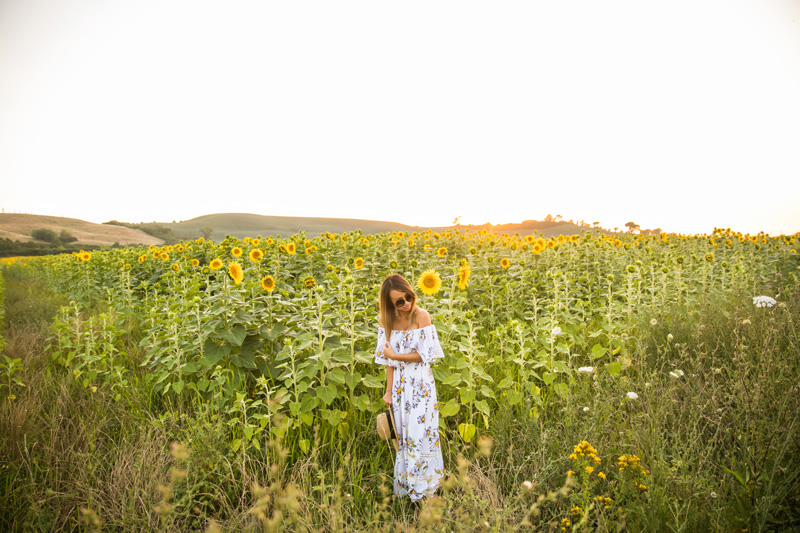 petite fashion blog, lace and locks, los angeles fashion blogger, tuscany blog, traveling fashion blogger, summer maxi dress, sunflower fields in tuscany