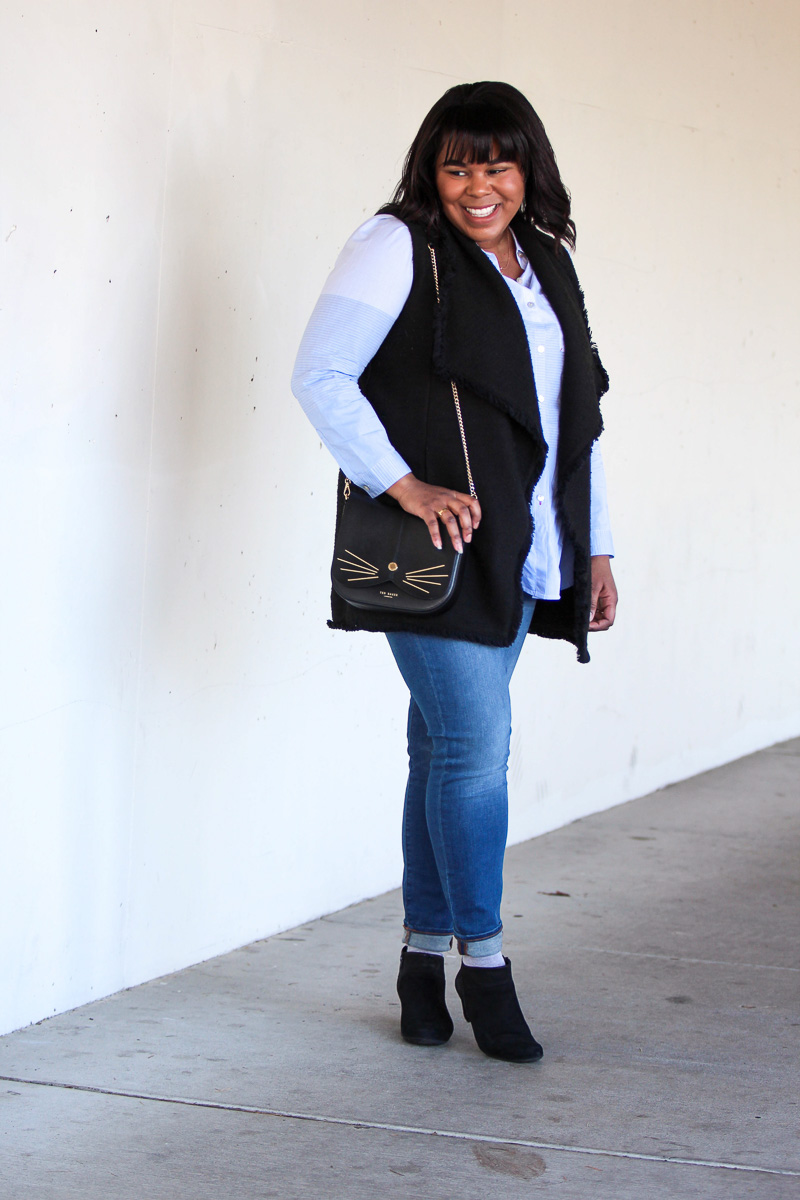 The weather here in Seattle is not quite warm yet and even though there have been some glimmers of spring, the temperature is still cold. This is why having a few transitionaloutfits on hand is key! Last week we had a highin the 70s and I had to think fast when it came to my clothing.