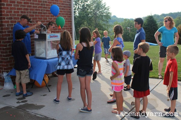 Snow cone machine for primary color party -- laceandyarn.com