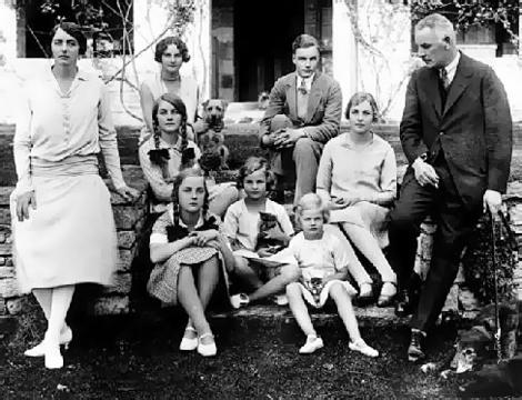 The Mitford brood... an endlessly fascinating family.
