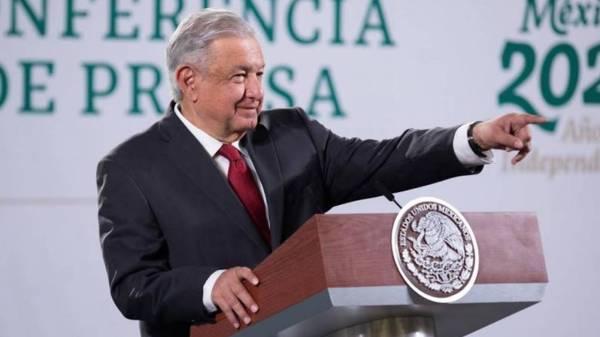 """AMLO considera """"oportunismo inmoral"""" el posible paro de los trabajadores del metro de la CDMX"""