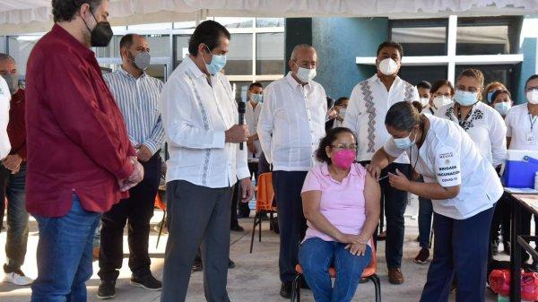 En Cuautla se dio inicio a la jornada de vacunación contra Covid-19 para los Maestros de Morelos